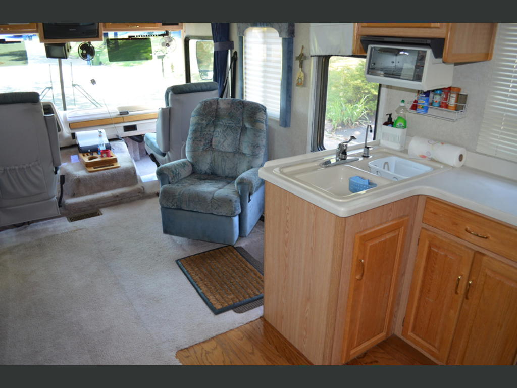 1997 National Rv Dolphin Chalfont Pa Us 27880 Miles