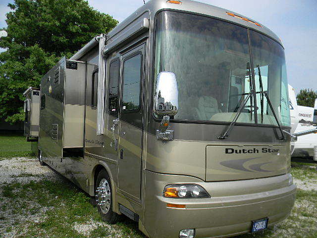 2005 Newmar Dutch Star Photo