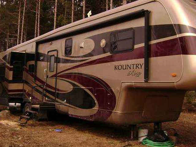 2008 Newmar Kountry Aire Photo