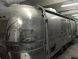 69 Airstream International