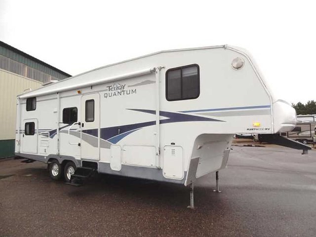 2004 Fleetwood Terry Quantum Little Falls Mn Us 12 995