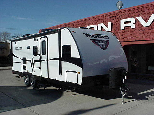 2015 Winnebago Minnie Photo