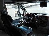 2009 Winnebago Navion Photo #7