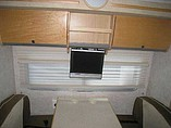 2006 Winnebago Navion Photo #16