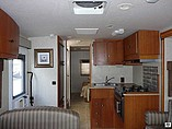 2008 Winnebago Outlook Photo #7