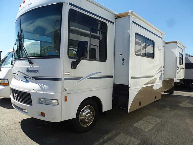 2006 Winnebago Sightseer Photo