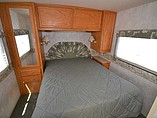 2004 Winnebago Sightseer Photo #18