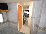 2004 Winnebago Sightseer Photo #22