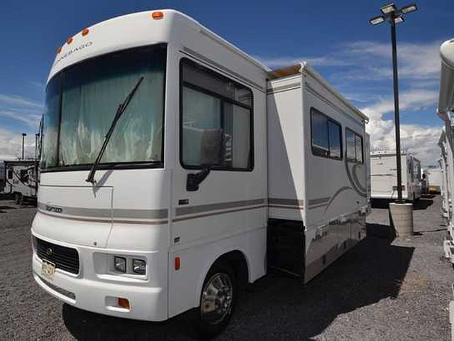 2004 Winnebago Sightseer Photo