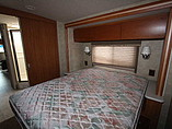 2008 Winnebago Sightseer Photo #11