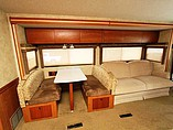 2008 Winnebago Sightseer Photo #26