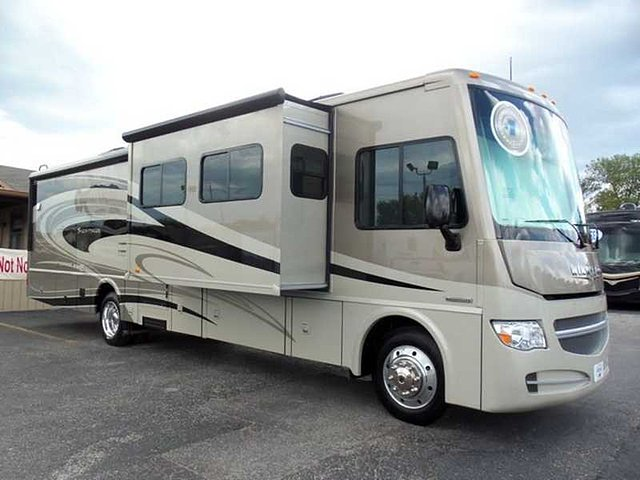 2015 Winnebago Sightseer Photo