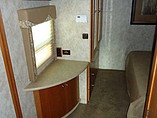 2009 Winnebago Sightseer Photo #12