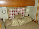 2009 Winnebago Sightseer Photo #23