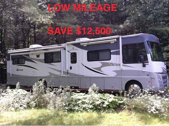2010 Winnebago Sightseer Photo