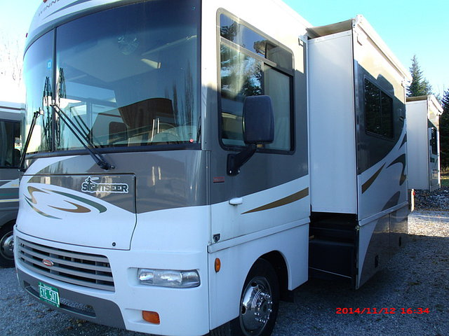 2007 Winnebago Sightseer Photo