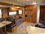 2014 Winnebago SunnyBrook Photo #6