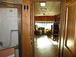 2006 Winnebago Tour Photo #49