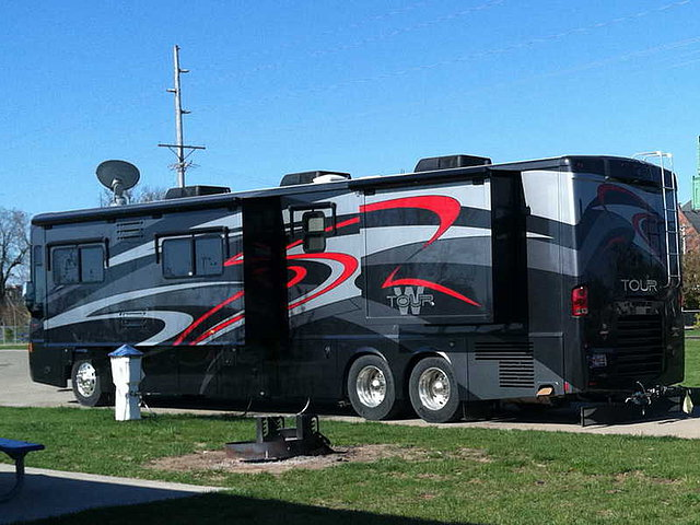 2010 Winnebago Tour Photo