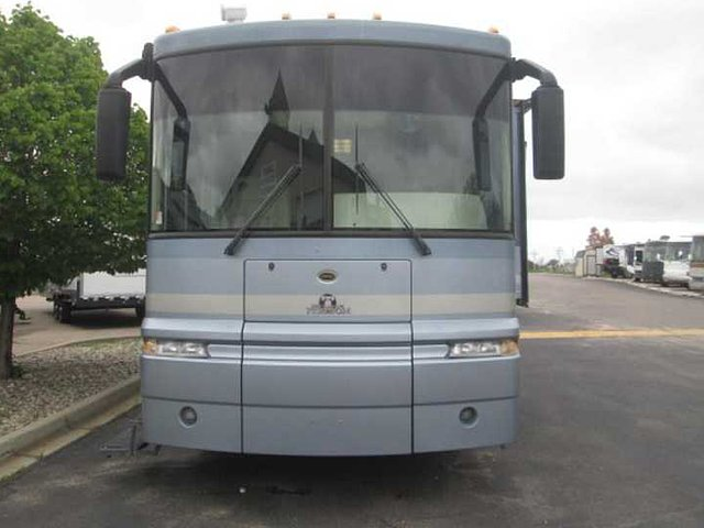 2003 Winnebago Winnebago Photo