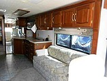 2001 Winnebago Ultimate Advantage Photo #5