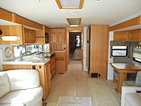 2003 Winnebago Ultimate Advantage Photo #6