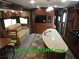 2015 Winnebago Ultralite Photo #23