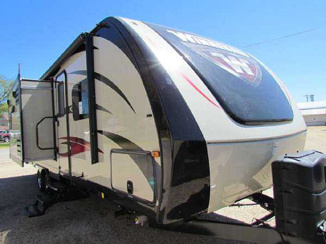 2016 Winnebago Ultralite Photo