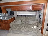 2005 Winnebago Vectra Photo #9