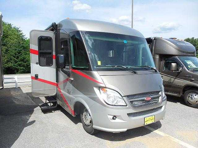 2010 Winnebago Via Photo