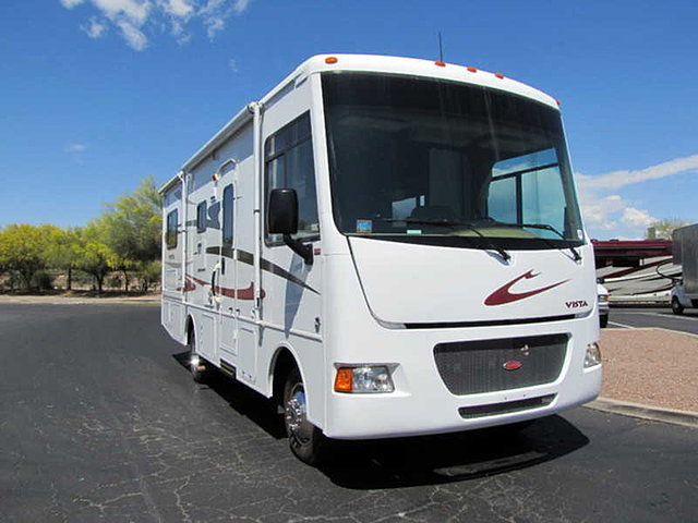 2012 Winnebago Vista Photo