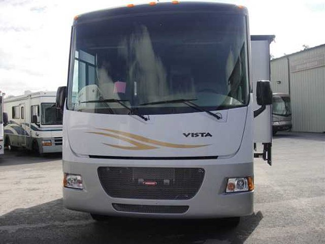 2011 Winnebago Vista Photo