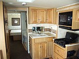 2011 Winnebago Vista Photo #14
