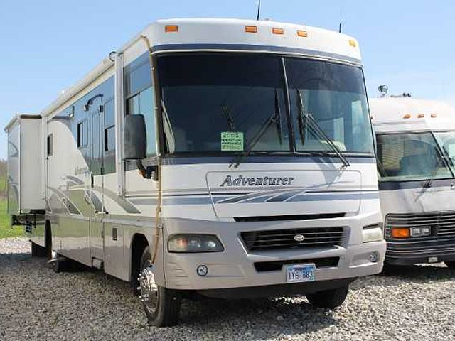 2005 Winnebago Winnebago Photo